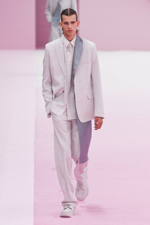 Dior SS20 Men's Fashion Show - Classic Sneakers with Suits (Monochrome)